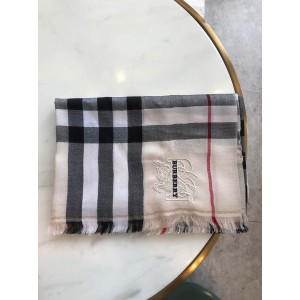 Burberry Luxury Scarf ASS080011