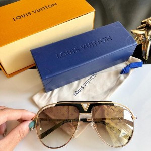 Louis Vuitton Men's Sunglasses ASS650186