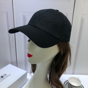 Balenciaga Men's hat ASS650328