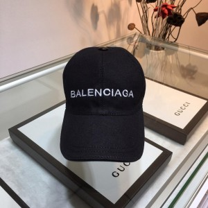 Balenciaga Men's hat ASS650331