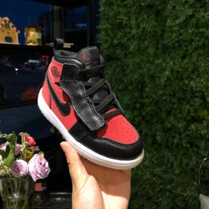Air Jordan 1 Mid Perfect Quality Sneaker BS01013