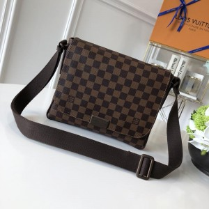 Louis Vuitton Luxury 38203 MAN BAG brown LV04BM011