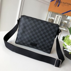 Louis Vuitton Luxury 38203 MAN BAG black LV04BM012