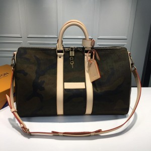 Louis Vuitton Luxury x Supreme monogram camo keep all 45 bandouliere LV04BM168