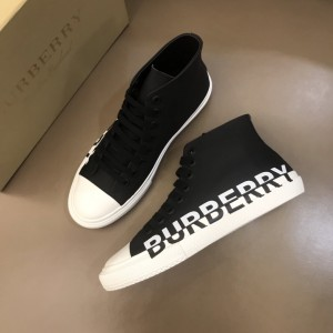 Burberry High-top High Quality Sneakers Black and White rubber sole MS021035
