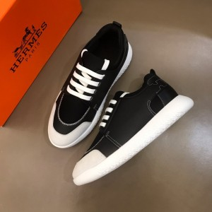 Hermes High Quality Sneakers Black and Black tongue with White sole MS021095