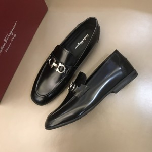 Salvatore Ferragamo Black Bright Leather High Quality Loafers MS021129