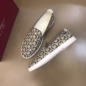 Salvatore Ferragamo High Quality Sneakers White and Macro Gancini Print  MS021314 Updated in 2019.11.28
