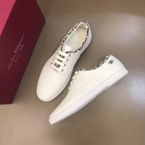 Salvatore Ferragamo High Quality Sneakers White and Macro Gancini Print Trim  MS021315 Updated in 2019.11.28