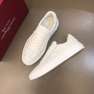 Salvatore Ferragamo High Quality Sneakers White and 3D Gancini symbol  MS021321 Updated in 2019.11.28