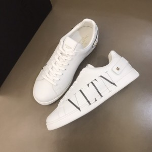 Valentino High Quality Sneakers White and black VLTN print with white sole MS021329 Updated in 2019.11.28