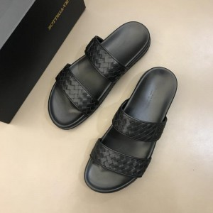 Bottega Veneta black Crisscross slides in woven leather MS02578