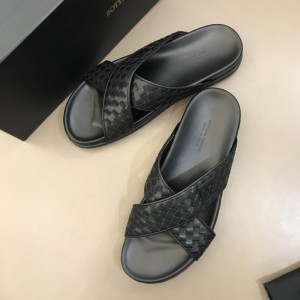 Bottega Veneta black Crisscross slides in woven leather MS02579