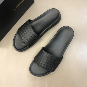 Bottega Veneta black Crisscross slides in woven leather MS02581