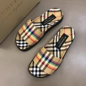 Burberry brown Slippers with colorful rainbow MS02584