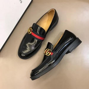 Gucci Leather loafer with GG Web MS02655