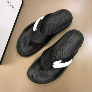 Gucci black flip-flop with gucci design MS02659