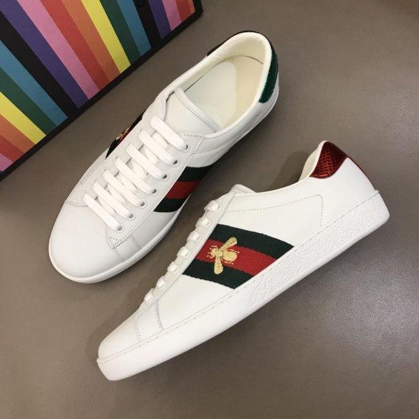 Gucci Perfect Quality Sneakers White and gold bee embroidery with and white sole MS02680
