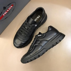 Prada Fashion Sneakers Black and black shoe soles MS02921