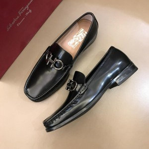 Salvatore Ferragamo Black Bright leather Fashion Perfect Quality Loafers With Sliver Buckle MS02975