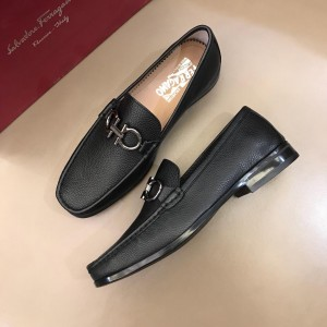 Salvatore Ferragamo Black leather Fashion Perfect Quality Loafers With Sliver Buckle MS02975 Buckle MS02976