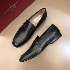 Salvatore Ferragamo Black leather Fashion Perfect Quality Loafers MS02978