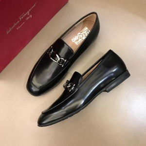 Salvatore Ferragamo Black Bright leather Fashion Perfect Quality Loafers With Sliver Buckle MS02980