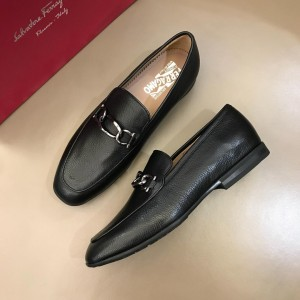 Salvatore Ferragamo Black leather Fashion Perfect Quality Loafers With Sliver Buckle MS02981