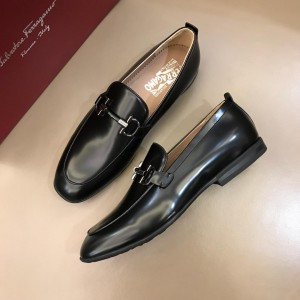 Salvatore Ferragamo Black Bright leather Fashion Perfect Quality Loafers With Sliver Buckle MS02985