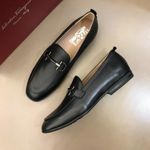 Salvatore Ferragamo Black leather Fashion Perfect Quality Loafers With Sliver Buckle MS02986