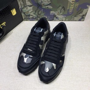 Valentino Perfect Quality Sneakers Black and white camouflage details with black sole MS071435