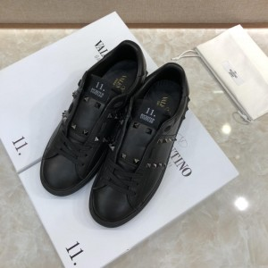 Valentino Perfect Quality Sneakers Black and black stud ribbon detail with black sole MS071459