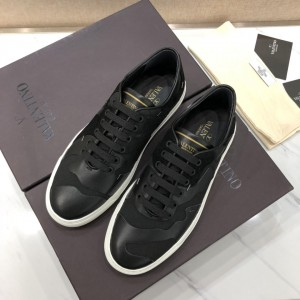 Valentino Perfect Quality Sneakers Black and black suede details with white sole MS071468