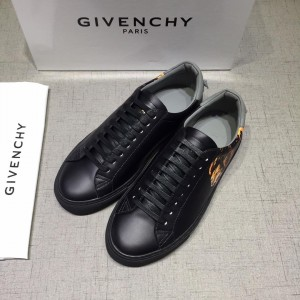 Givenchy Fashion Sneakers Black and Lion print with grey heel MS07445