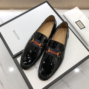 Gucci Black Bright Leather loafer with GG Web MS07535