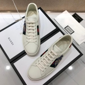 Gucci Fashion Sneakers White and Disney piggy embroidery with white sole MS07739