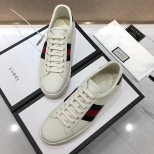 Gucci Fashion Sneakers White and black red wet with white soles MS07743