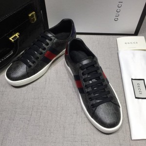 Gucci Fashion Sneakers Black and GG lettering with white sole MS07756