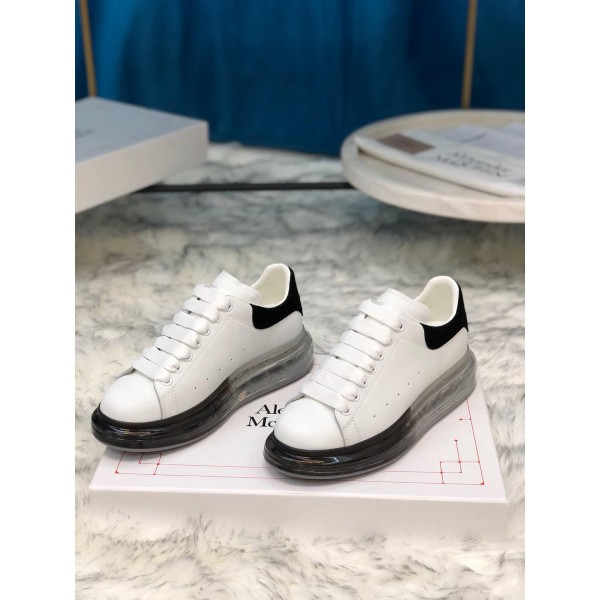 Alexander McQueen Fahion Sneaker  White and black suede heel with transparent sole MS100019