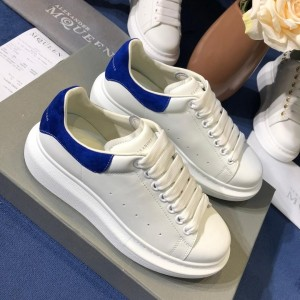 Alexander McQueen Fahion Sneaker White and blue suede heel MS100085
