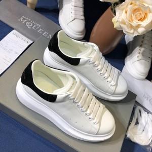 Alexander McQueen Fahion Sneaker White and black suede heel MS100095