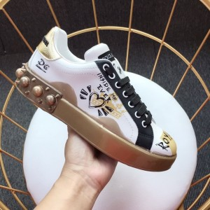 Dolce & Gabbana White and heart motif print with gold sole Sneakers MS110023