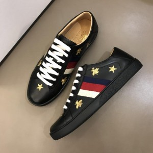 Gucci Fashion Desgin Leather Sneaker Black and gold bee embroidery with black sole MS02236