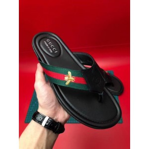 Gucci flip flop with bee MS09301